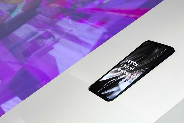 5G-версия OPPO Reno смогла получить сертификат 5G CE Другие устройства  - sm.oppo-first-5g-smartphone.750