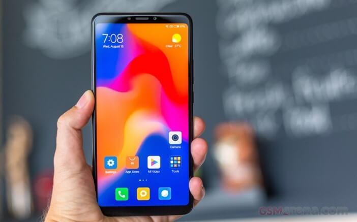 Xiaomi: все модели начиная от недорогих до флагманов Xiaomi  - Mi-Max-3-in-hand