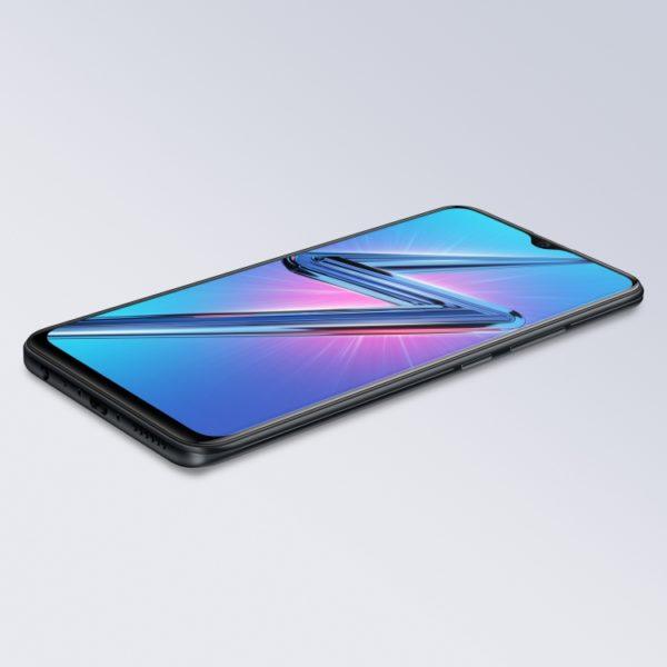 Vivo выпустит в России смартфон Y19 Другие устройства  - sm.Y19_face_lay_downblack.750
