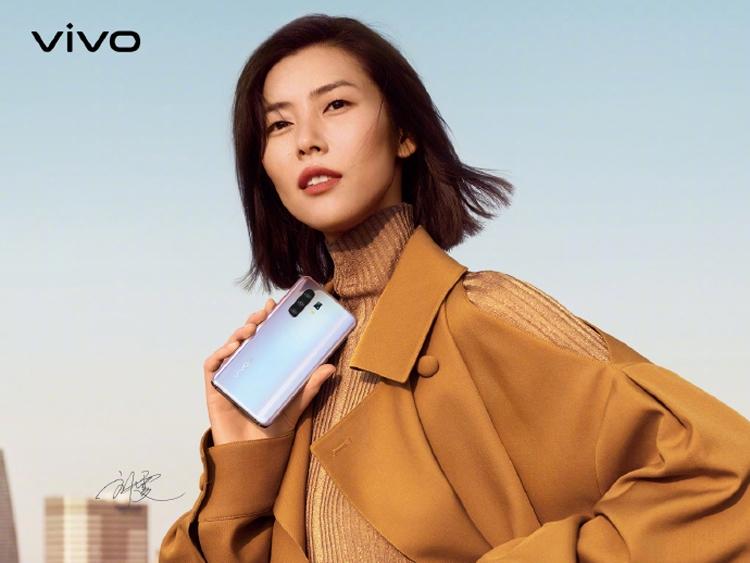Двухрежимный 5G-девайс Vivo X30 засветился на рендерах Другие устройства  - viv3