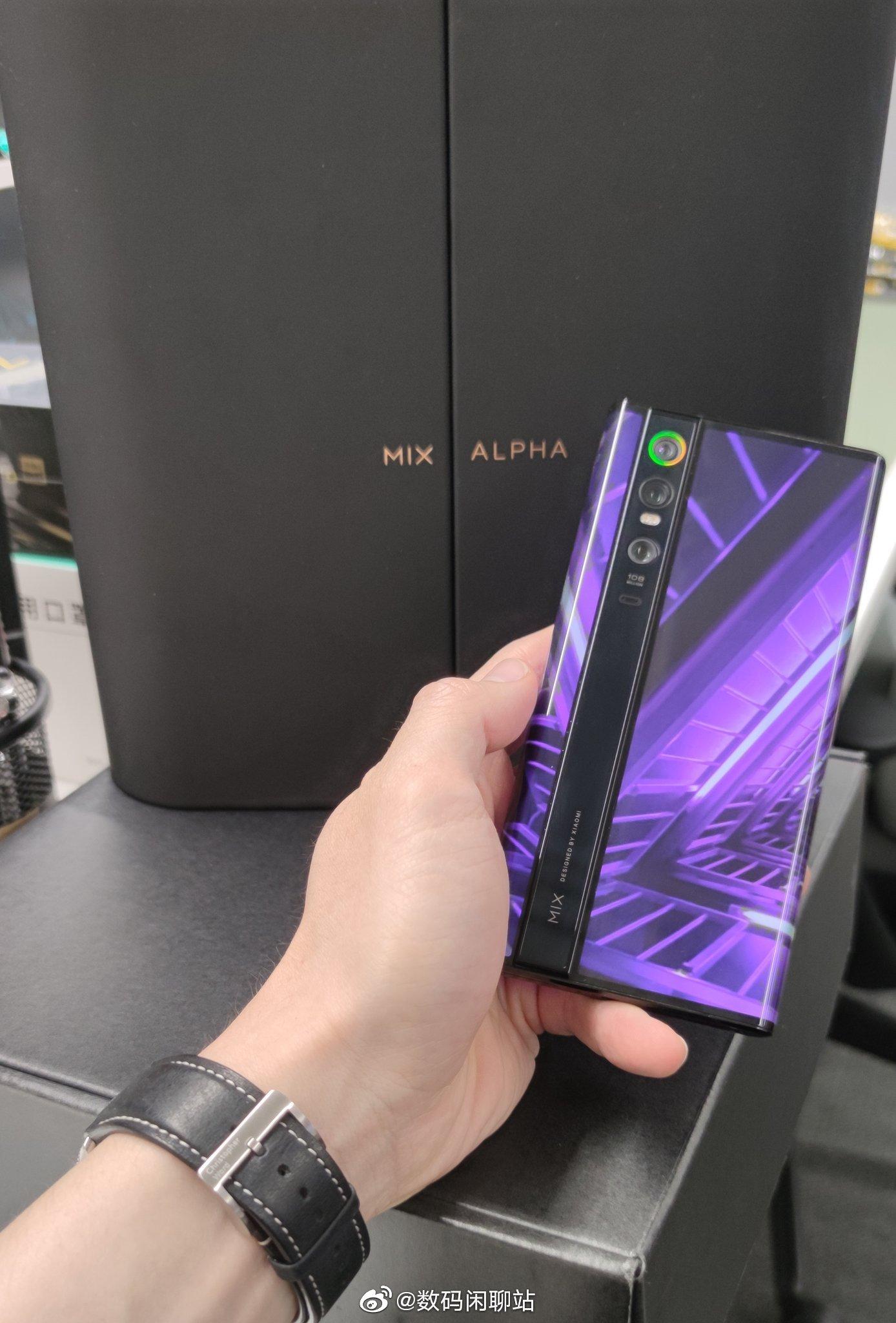 Концептофон Xiaomi Mi MIX Alpha так и не вышел в свет Xiaomi  - xiaomi_mi_mix_alpha_vse_konceptofon_tak_i_ne_dobralsa_do_prilavkov_picture2_0