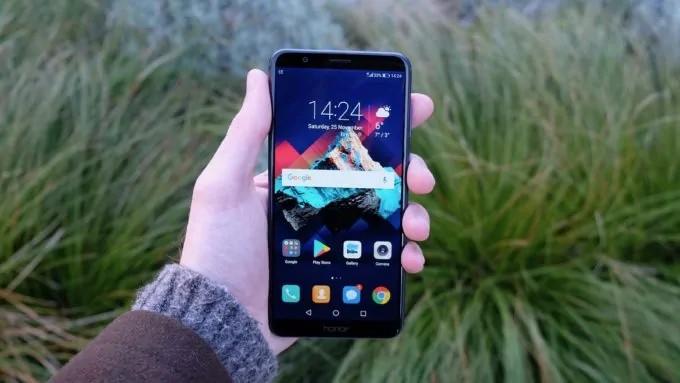 Как поставить меняющиеся обои на телефоны Huawei и Honor? Приложения - Front-hold-1-680x383