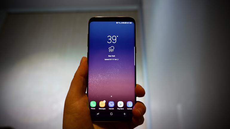 Samsung прекратила поддержку популярного флагманского девайса Samsung  - samsung-galaxy-s8-gear-vr-gear-360-dex-bixby-18