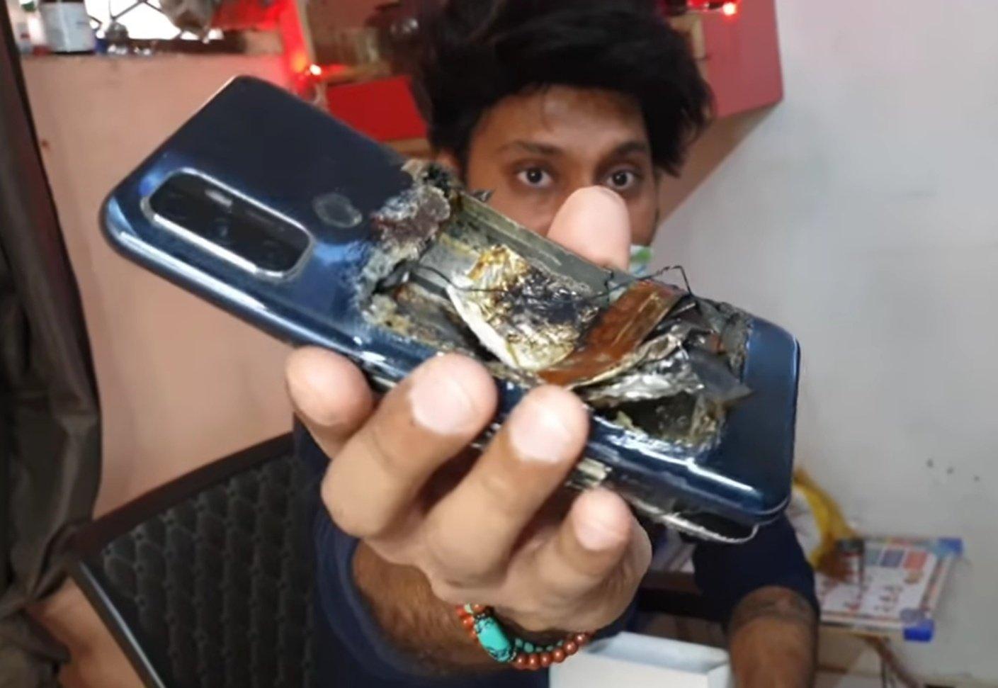 OPPO A53 взорвался у владельца в кармане Другие устройства  - smartfon_oppo_pokalechil_vladelca_vzorvavshis_v_karmane_picture2_0
