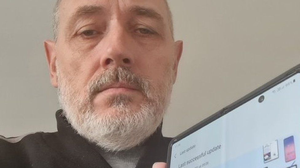 Samsung испугала жителей Англии российским ПО Samsung  - samsung_napugala_zhitelej_anglii_obazatelnym_rossijskim_po_picture2_0