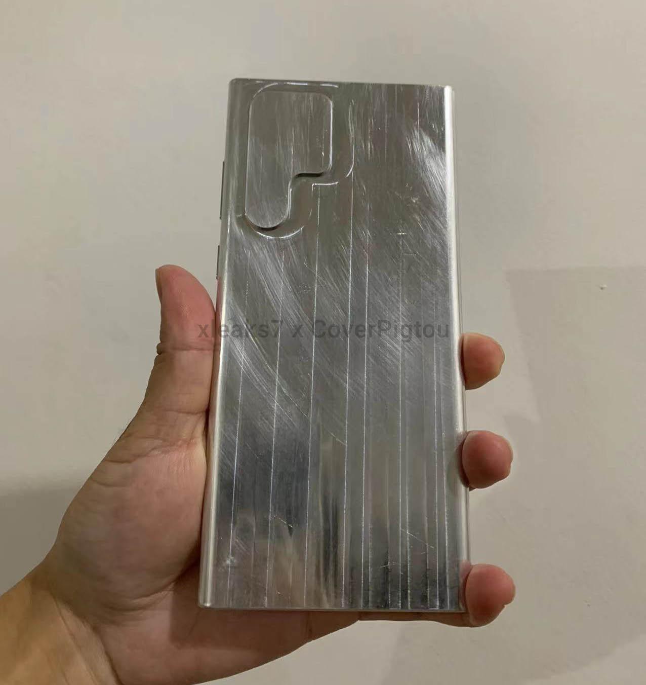 Макет со странным дизайном Samsung Galaxy S22 Ultra Samsung  - maket_pokazal_vse_tonkosti_strannogo_dizajna_samsung_galaxy_s22_ultra_picture2_1